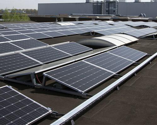 zonnepanelen oost west plat dak